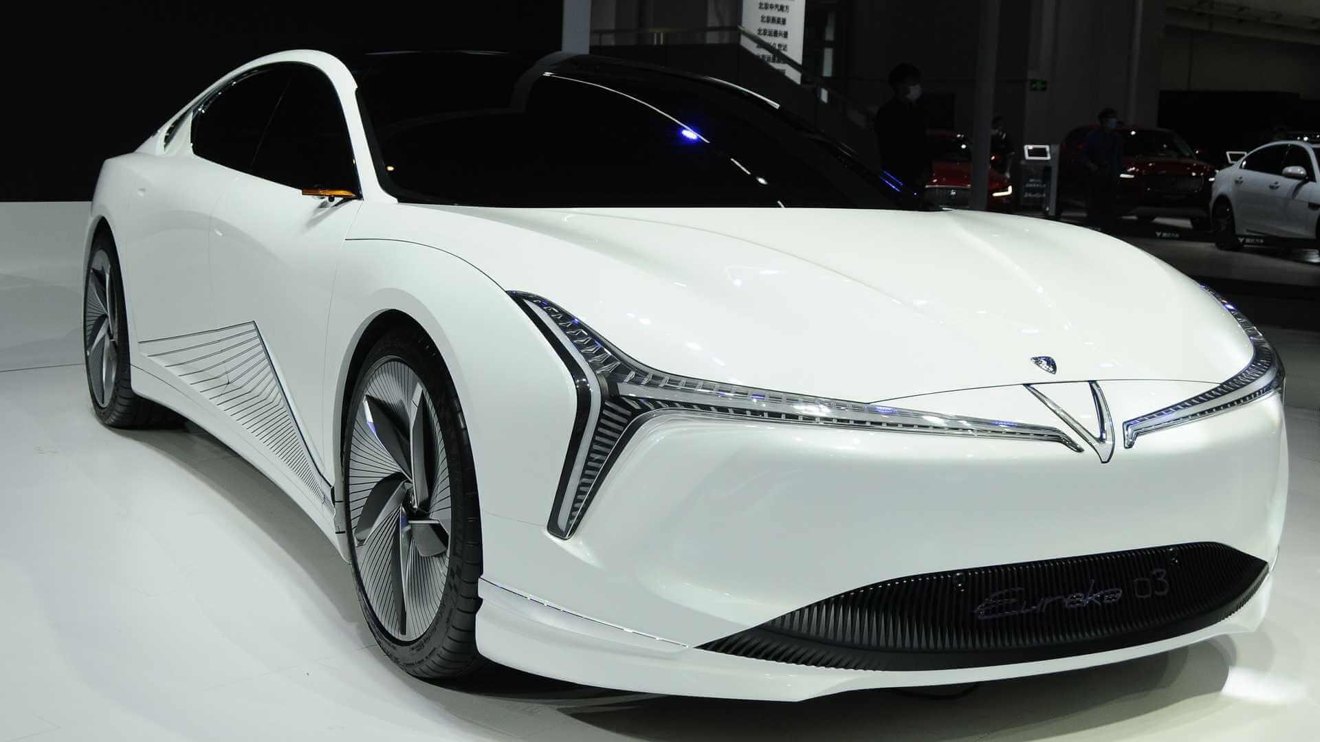 Изящный электрический седан Neta Eureka 03— ответ Китая наTesla Model 3