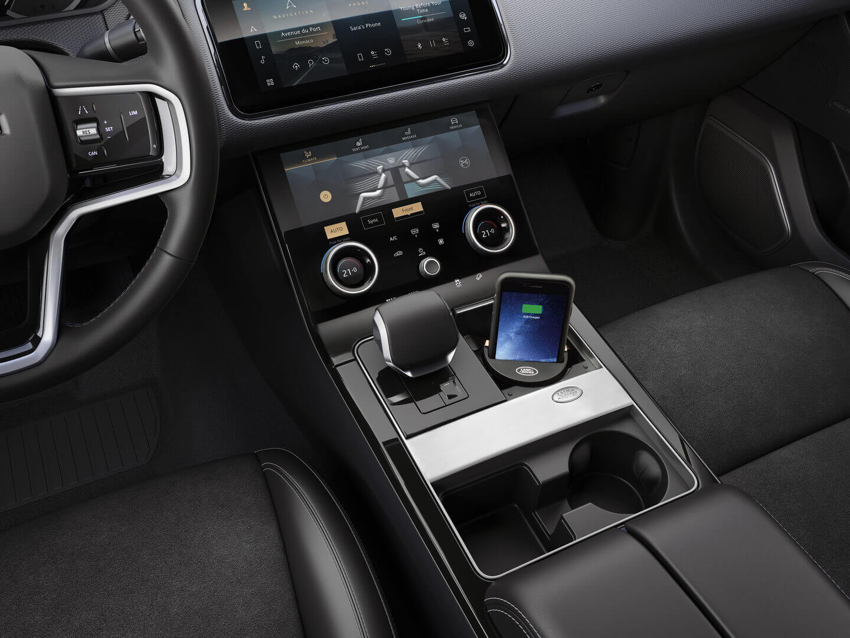 Интерьер Range Rover Velar P400e