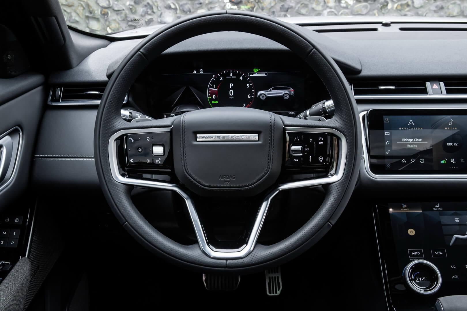 Приборная панель Range Rover Velar P400e