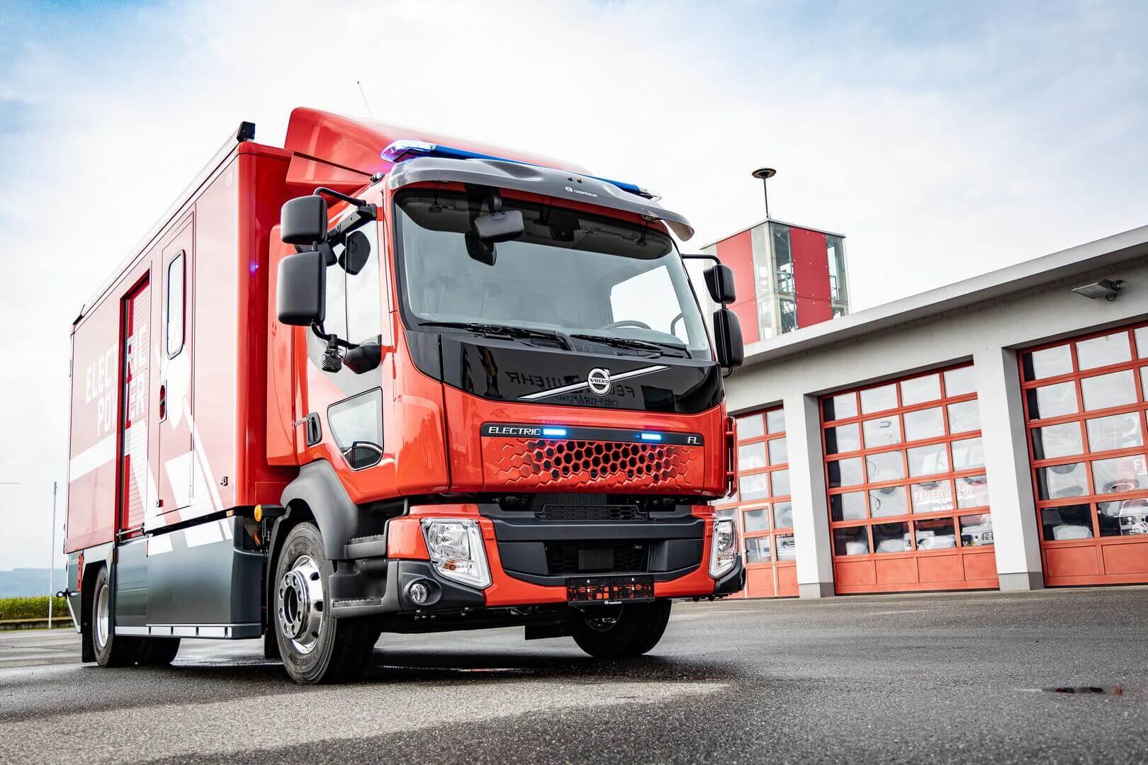 Rosenbauer и Volvo представили первую в мире электрическую пожарную машину