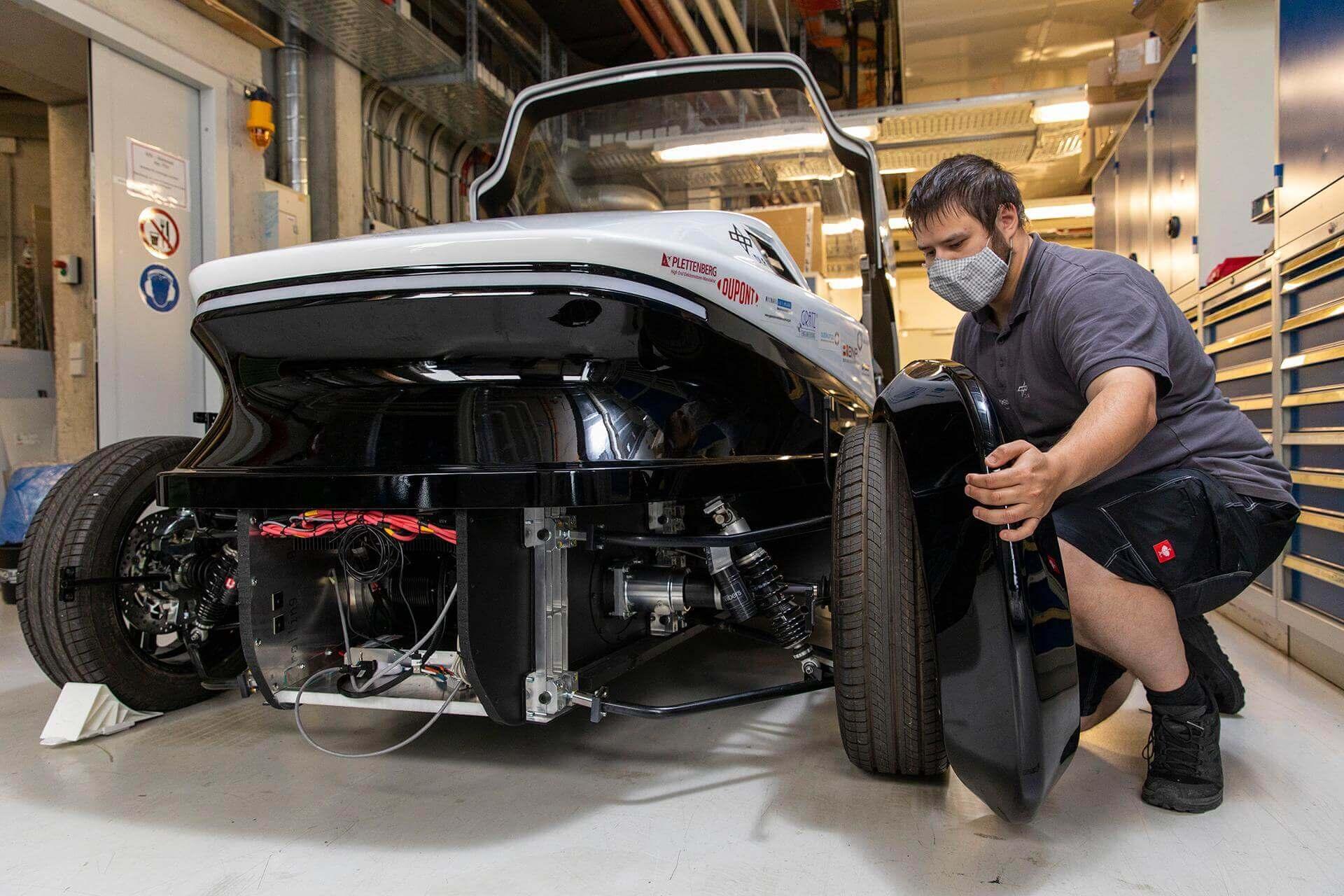 Safe Light Regional Vehicle: 2-местный водородный автомобиль за €15 000