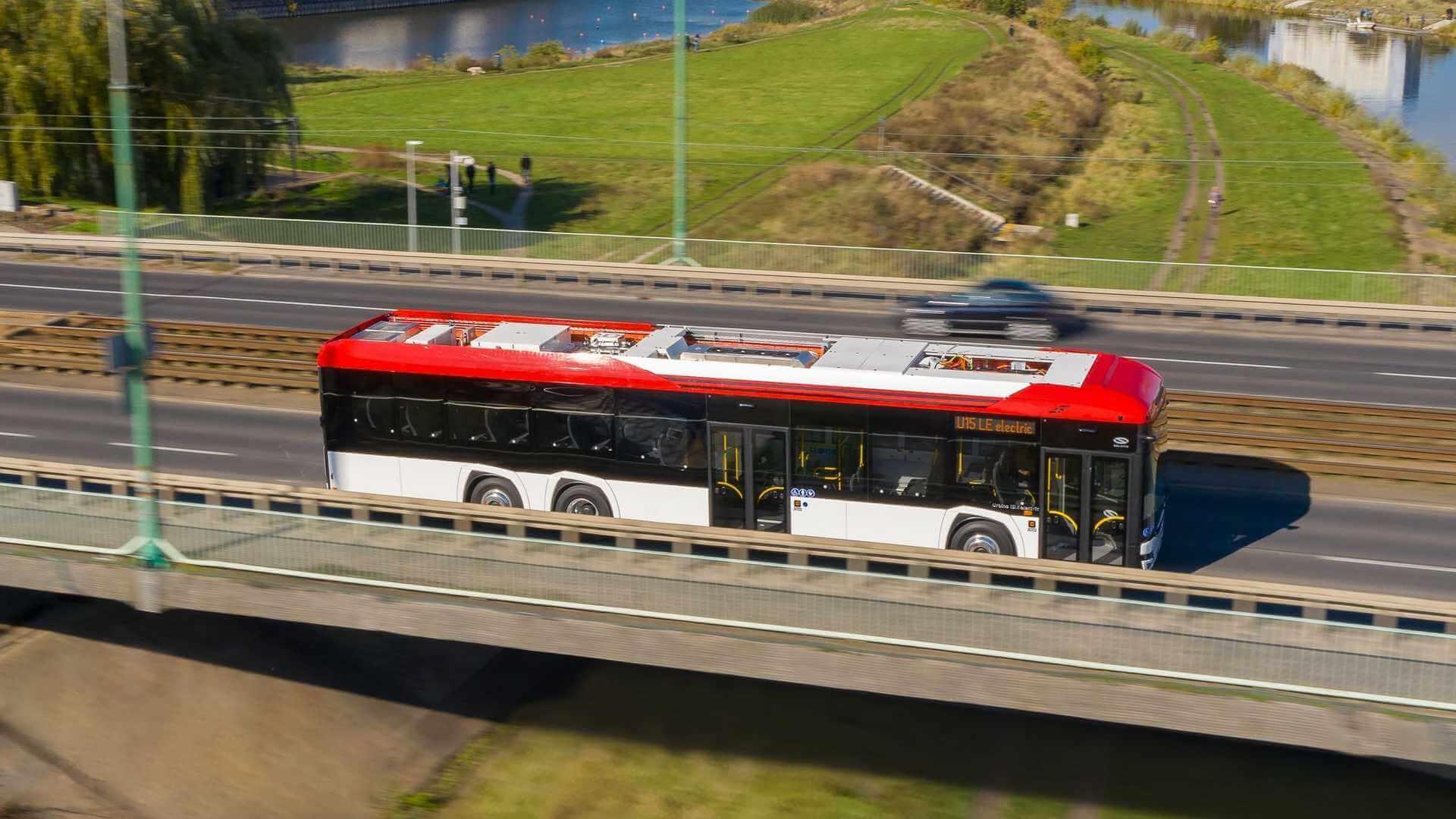 Solaris представляет новый 15-метровый электрический автобус Urbino 15 LE Electric