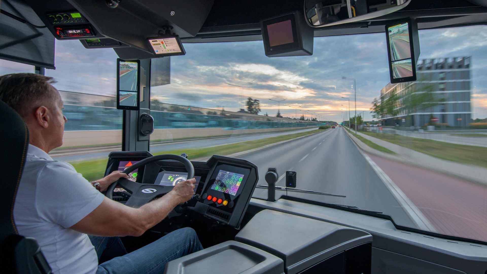 Водительское место электрического автобуса Solaris Urbino 15 LE electric