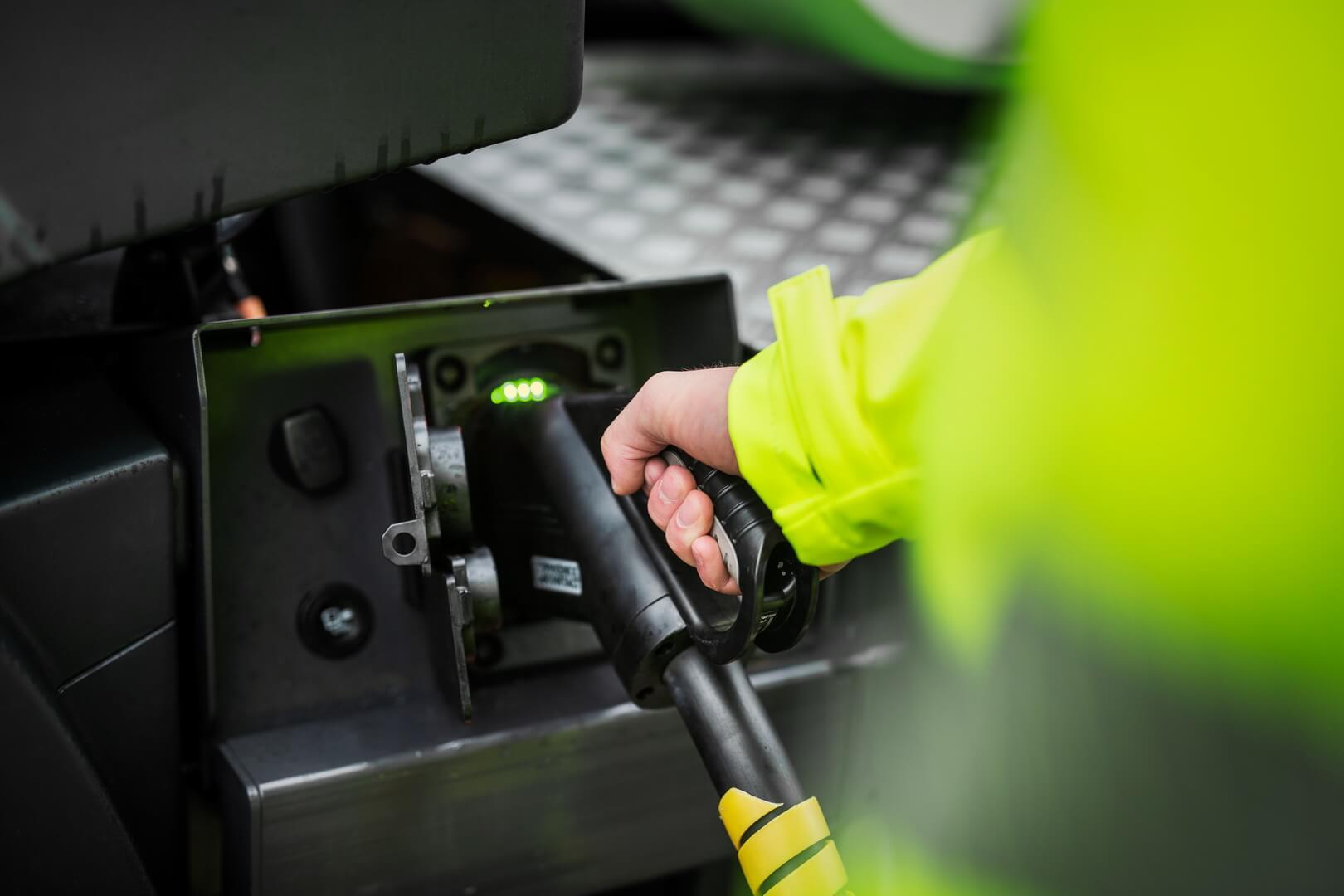 Зарядный порт электрических строительных грузовиков Volvo Trucks