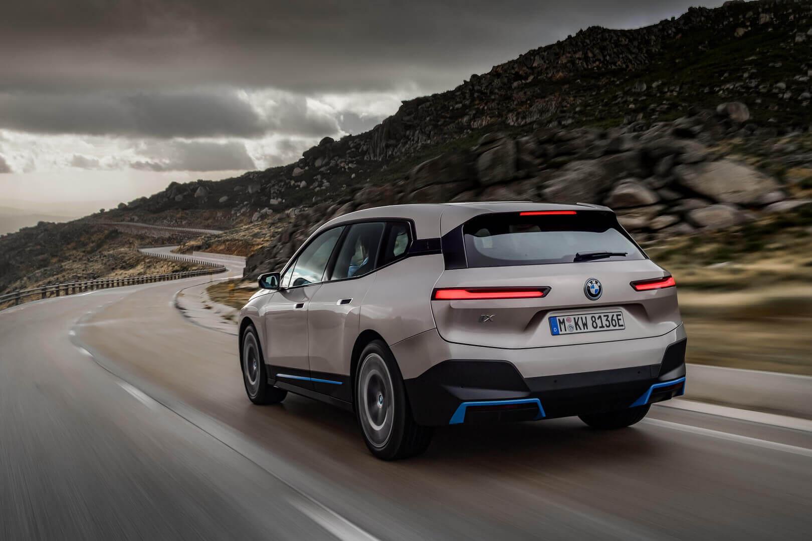 Фотография экоавто BMW iX - фото 16