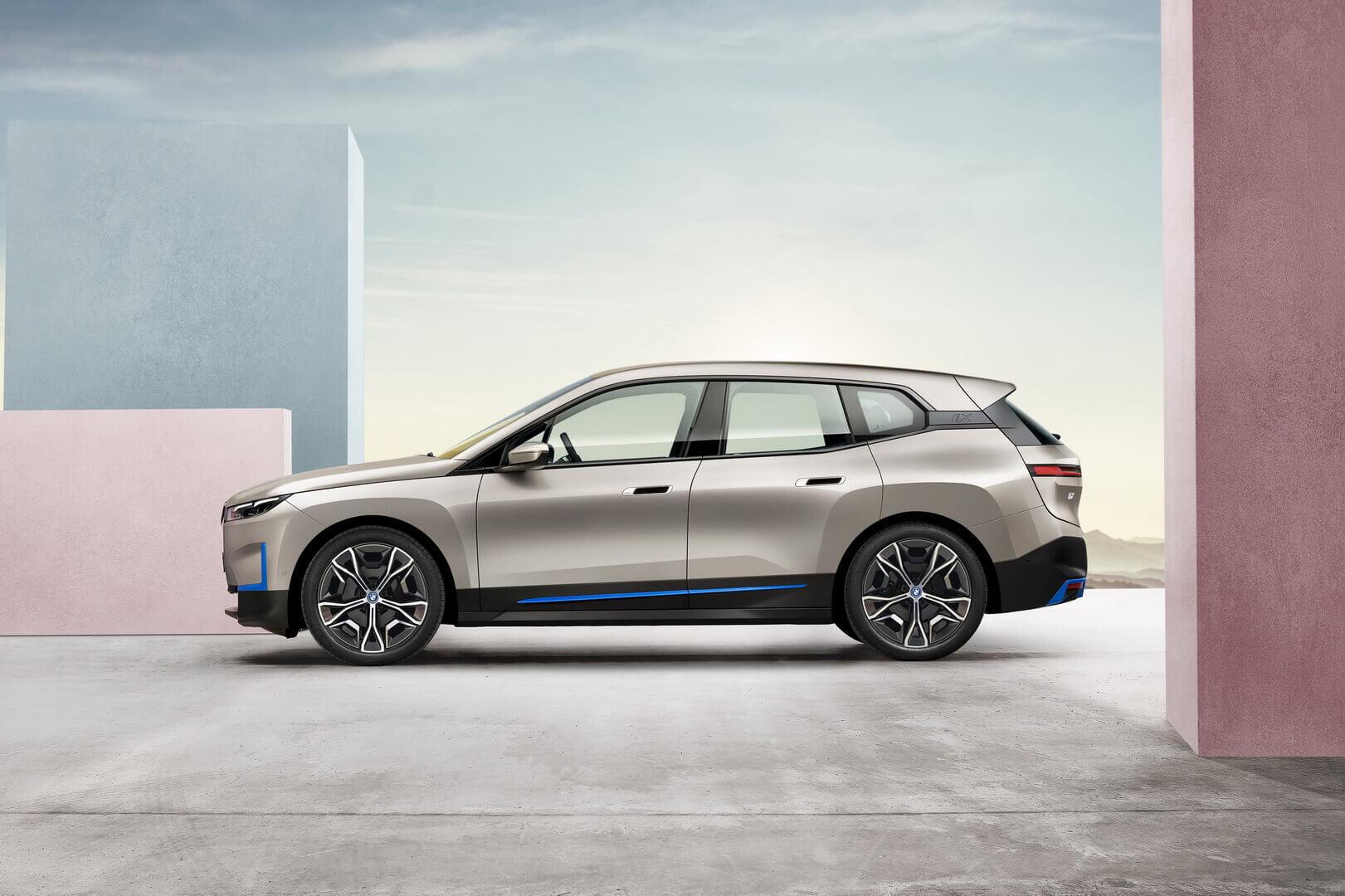 Фотография экоавто BMW iX - фото 2