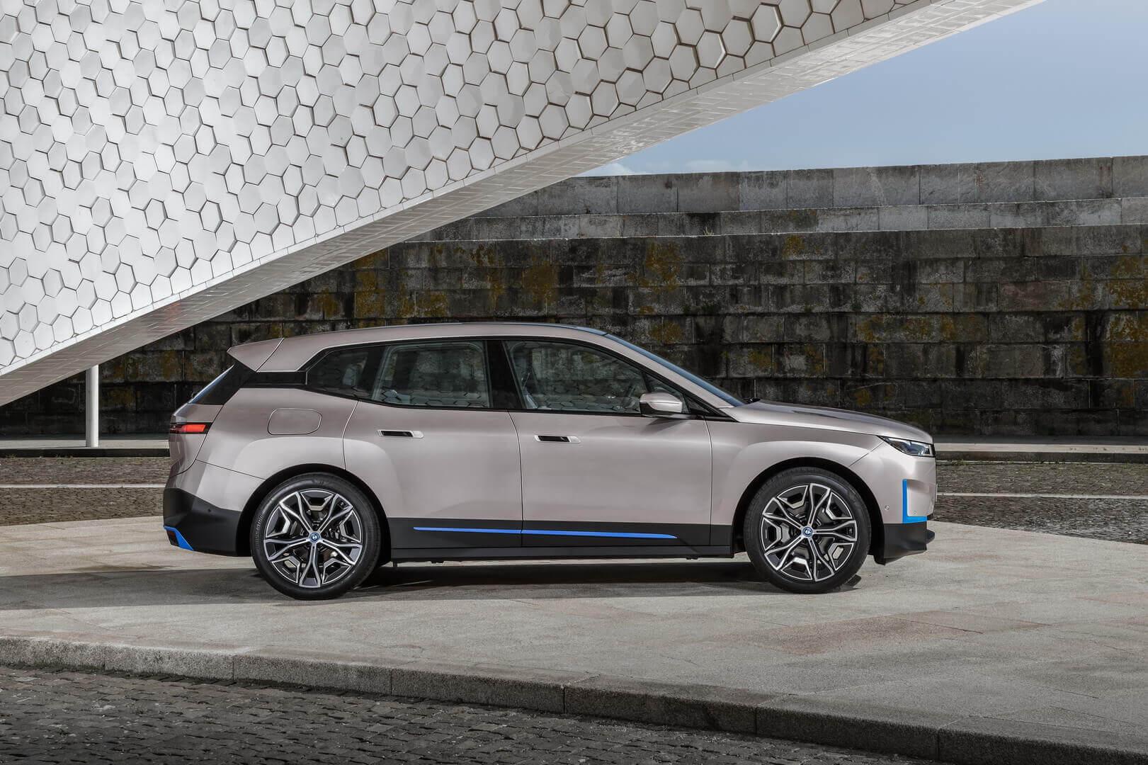 Фотография экоавто BMW iX - фото 26