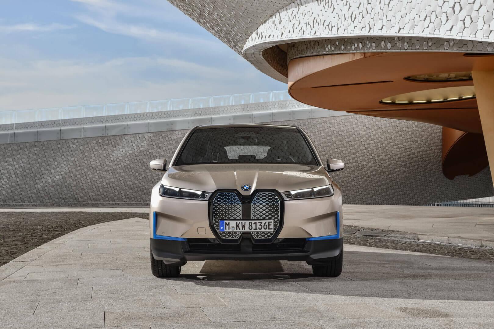 Фотография экоавто BMW iX - фото 23