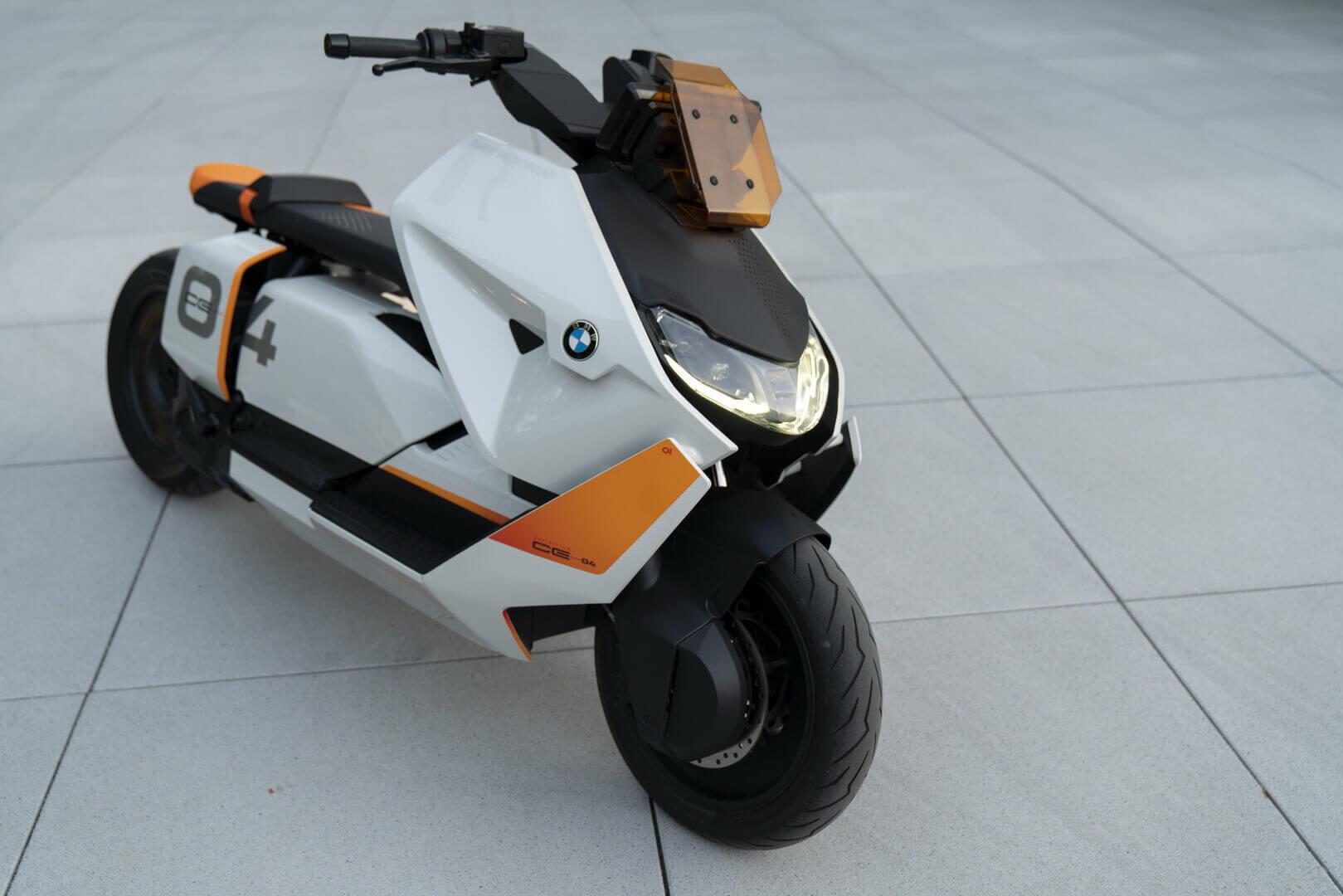 Электрический скутер BMW Motorrad Definition CE 04