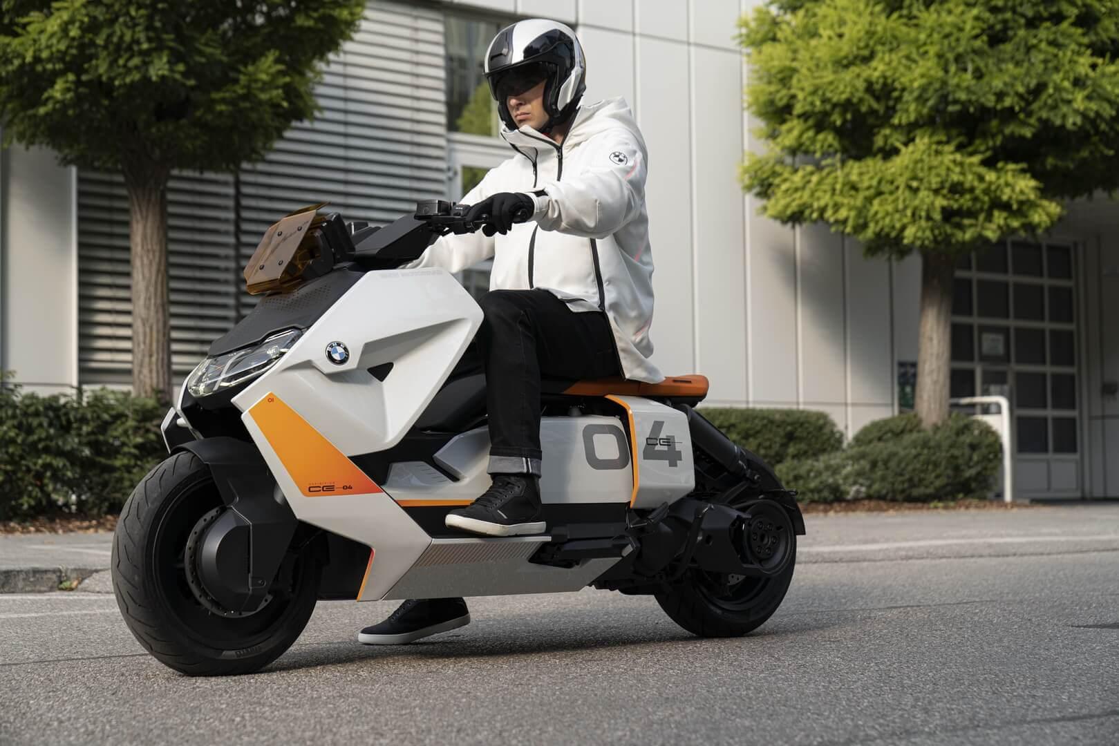 BMW показала концепт городского электроскутера Motorrad Definition CE 04