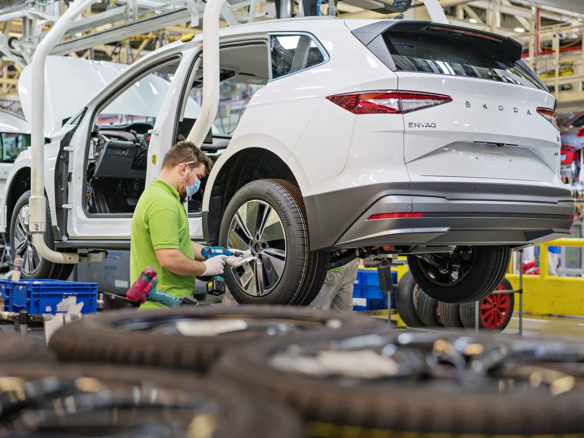 ŠKODA запустила серийное производство электрического кроссовера ENYAQ iVна своем главном заводе вМлада-Болеславе