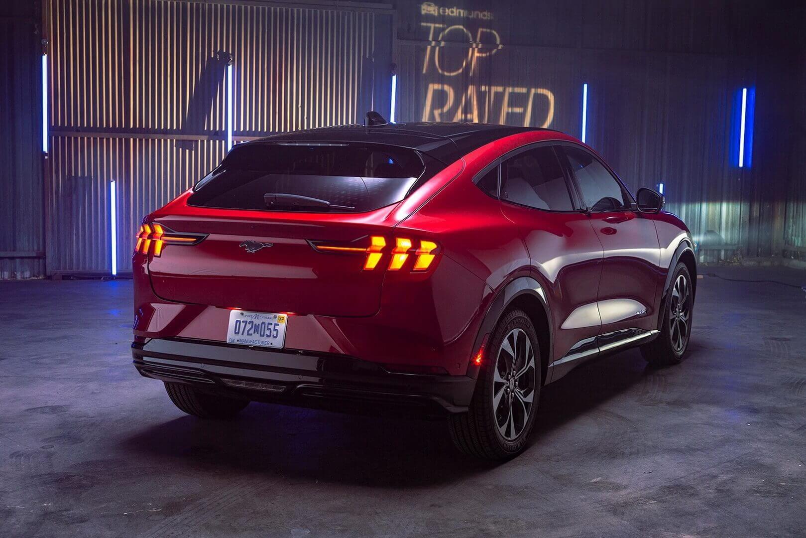 Электрический кроссовер Ford Mustang Mach-E