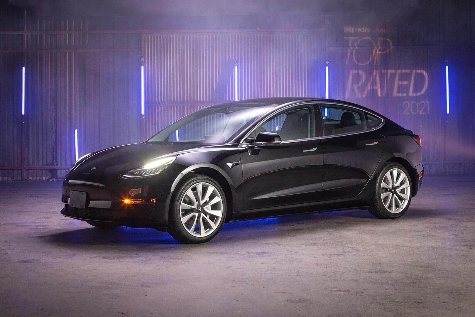Tesla Model 3 — самый популярный электромобиль согласно издания Edmunds