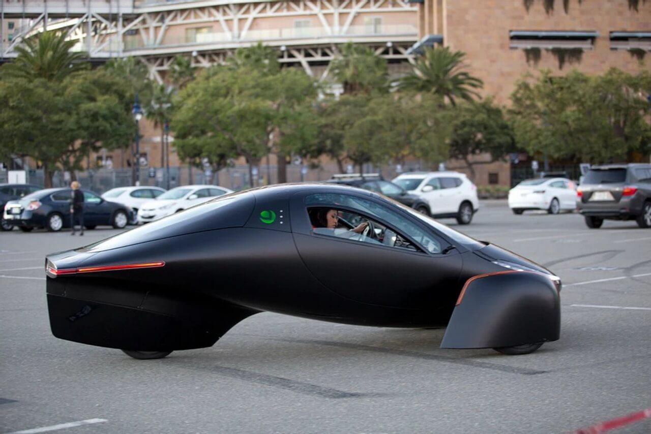 Трехколесный электромобиль Aptera предлагает запас хода 1600км