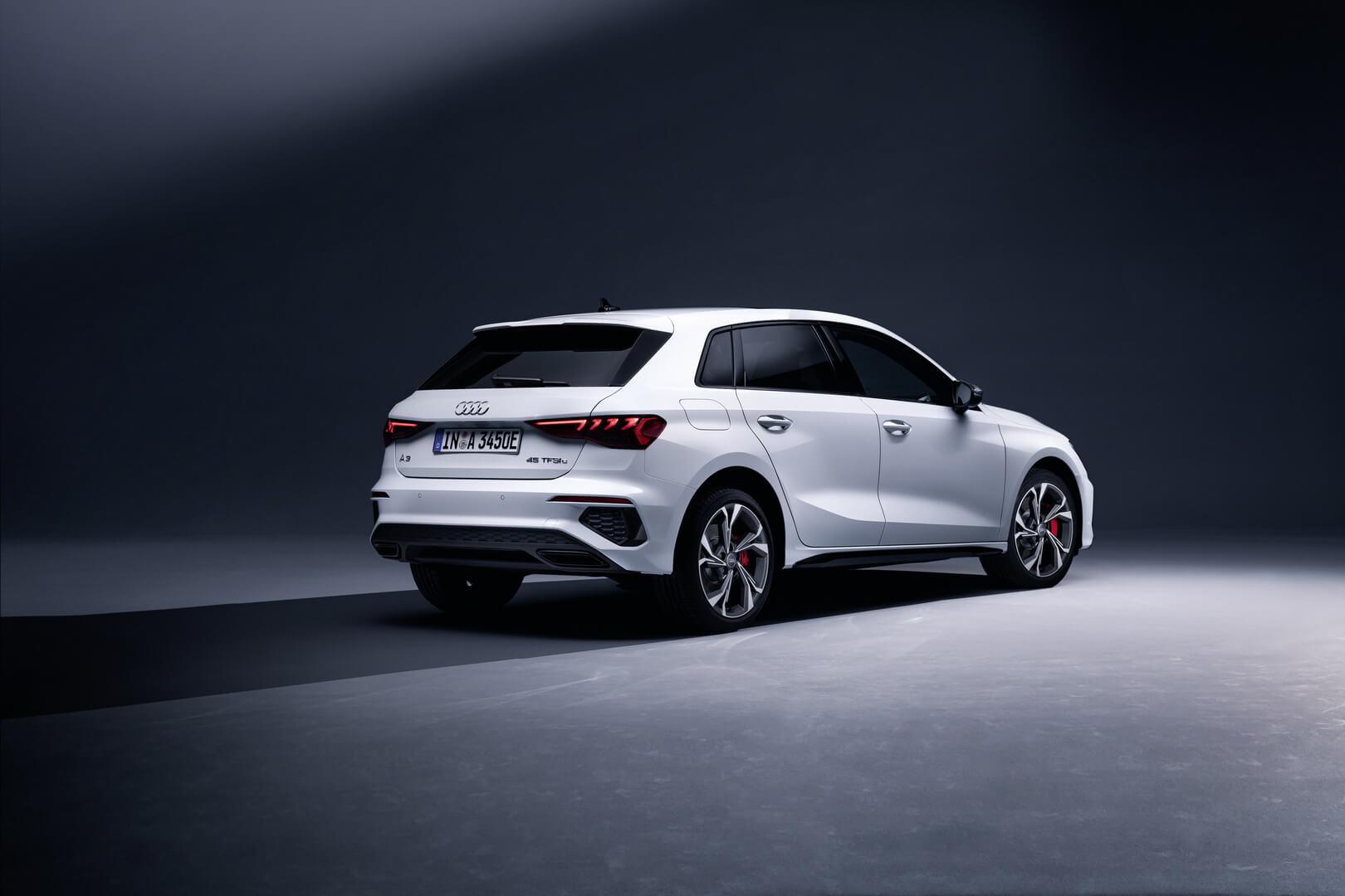 Компактный плагин-гибрид Audi A3 Sportback 45 TFSI e с выходной мощностью 245 л.с. и электрическим пробегом 63 км