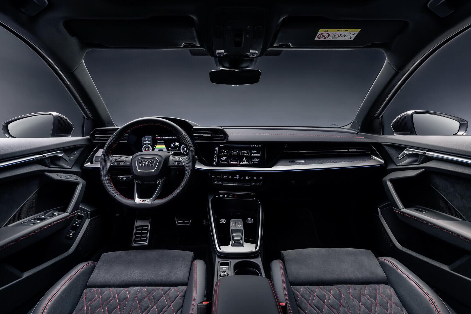 Интерьер плагин-гибрида Audi A3 Sportback 45 TFSI e