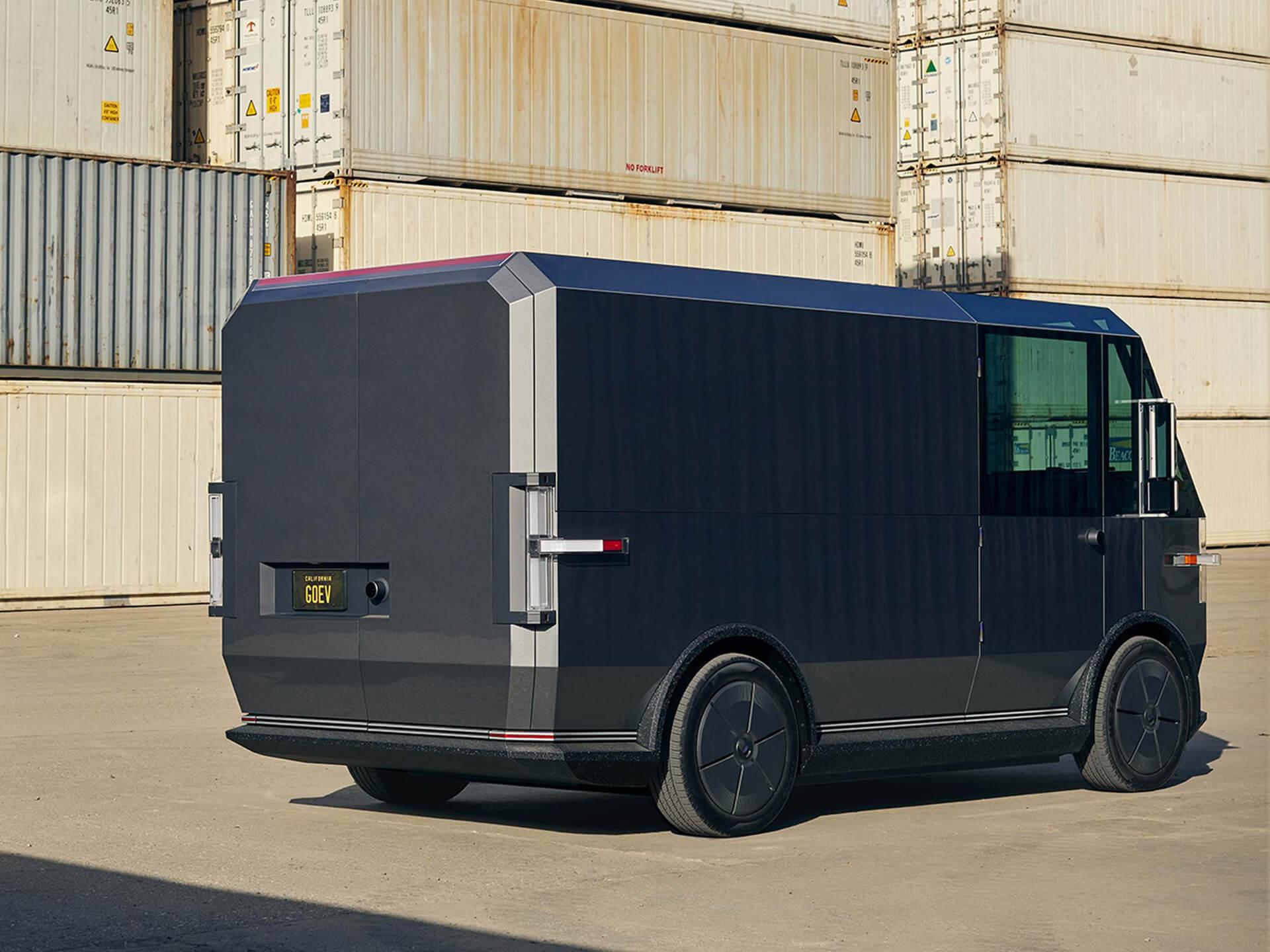 Многоцелевой электромобиль Canoo для доставки грузов