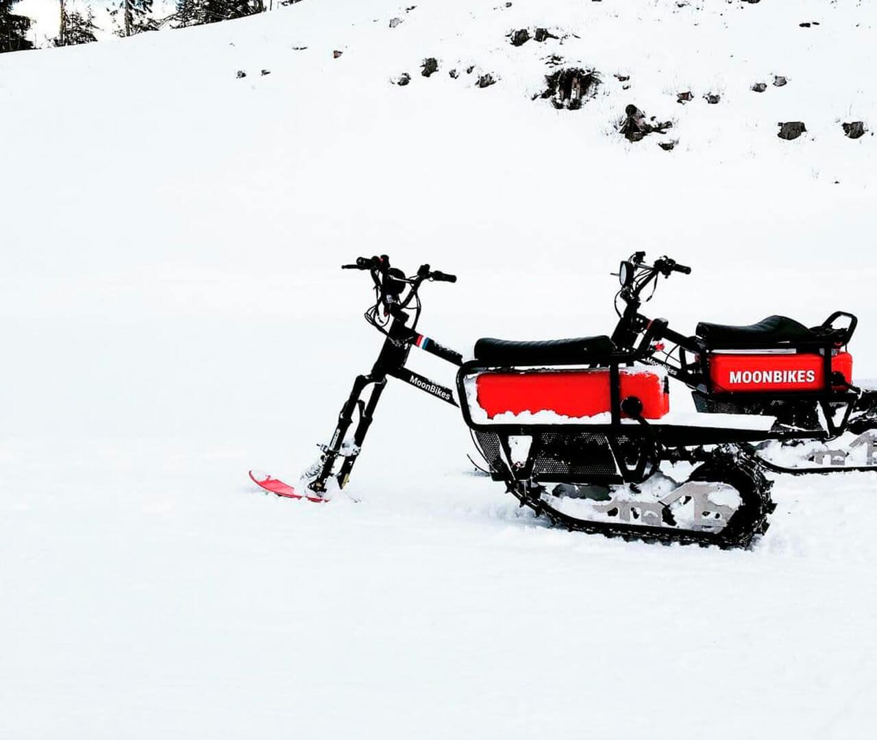 Полностью электрический снегоход MoonBikes