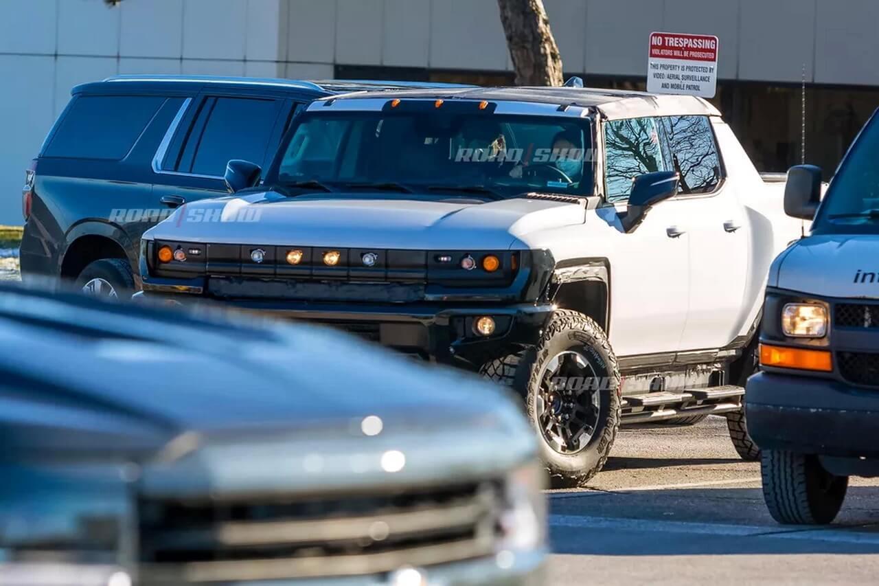 GMC Hummer EVвпервые замечен надорогах общего пользования