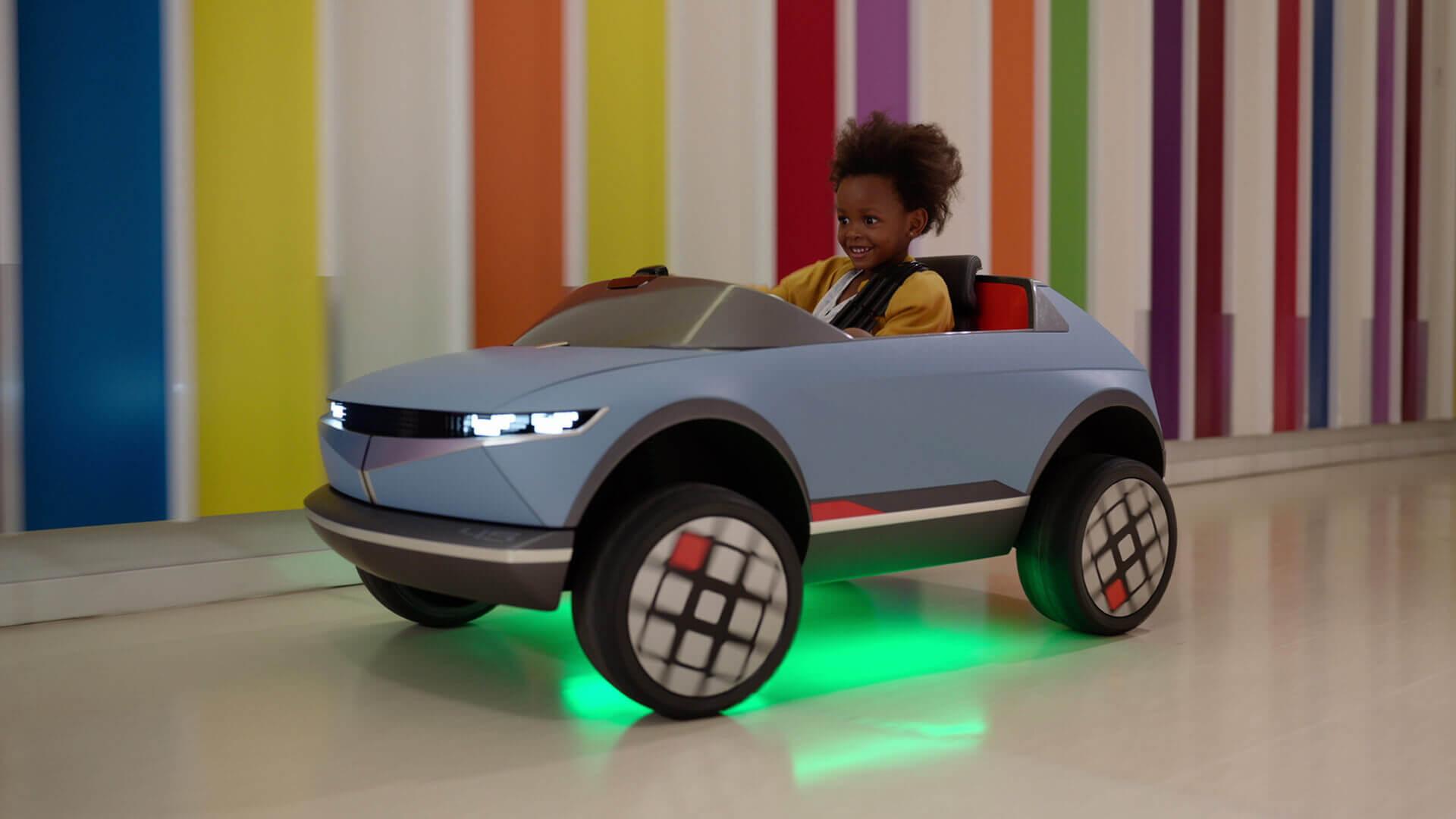 Мини-электромобиль Hyundai помогает врачам узнать, когда ребенок чувствует себя готовым клечению
