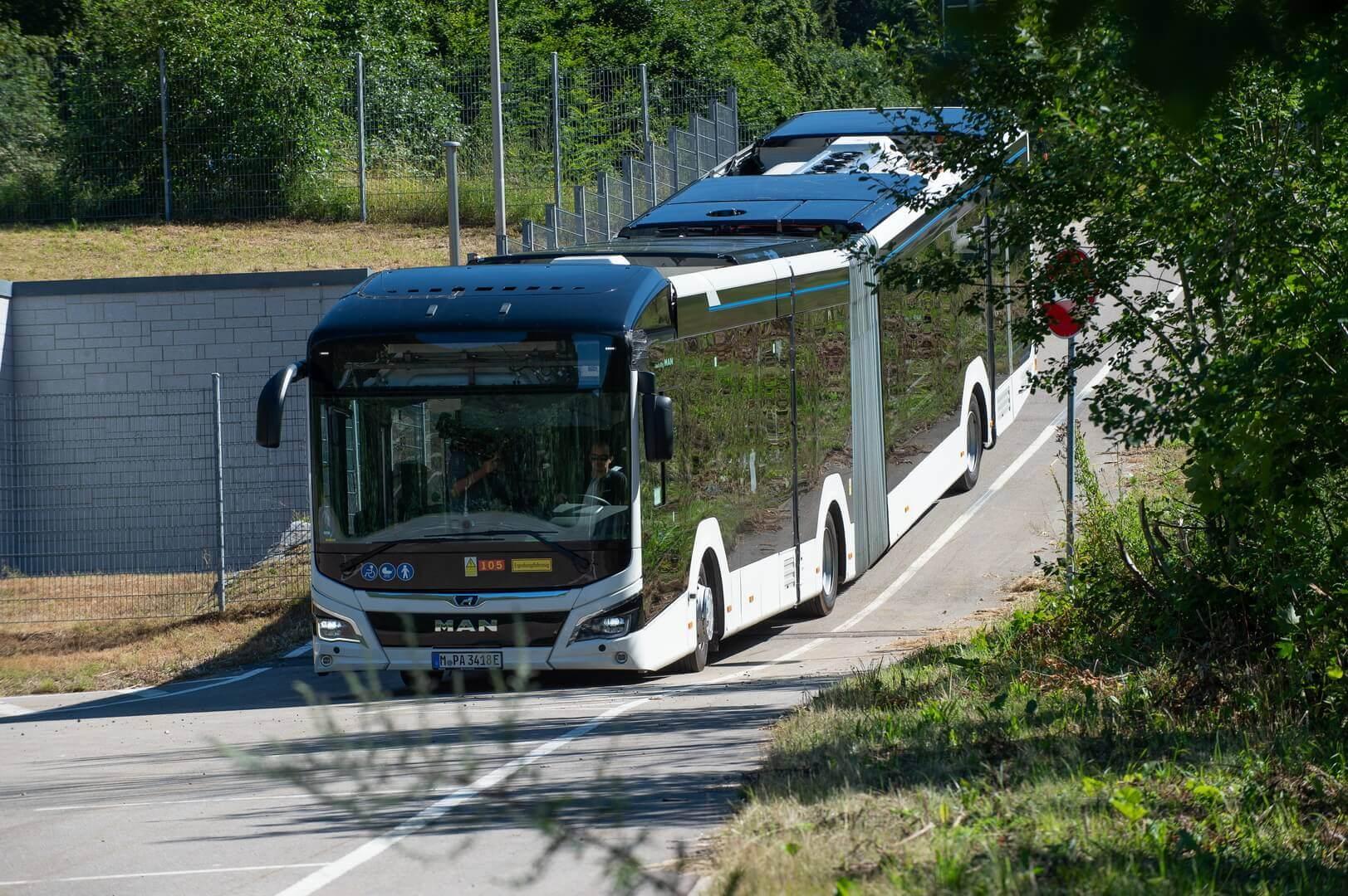 Полностью электрический Lion's City E в версии сочлененного автобуса