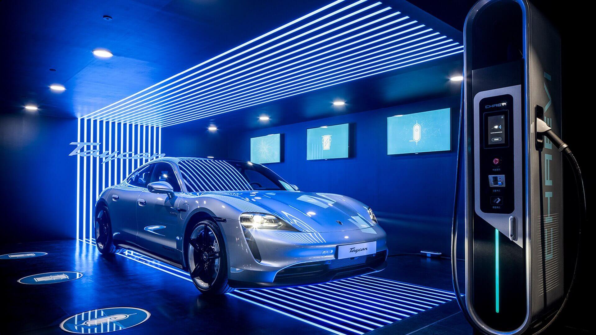 Первый полностью электрический спортивный автомобиль Porsche был представлен в Южной Корее