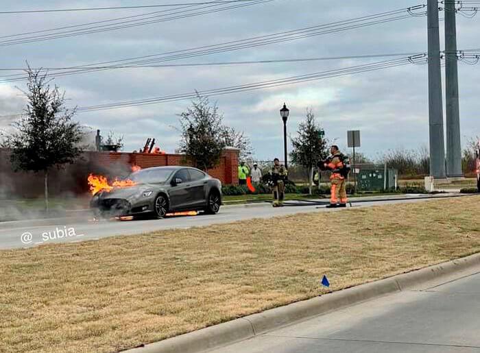 Новое возгорание Tesla Model S случилось в Техасе