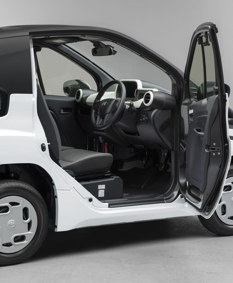 Длина Toyota C+Pod — 2490 мм, ширина — 1290 м, высота — 1550 мм, а колесная база 1780 мм