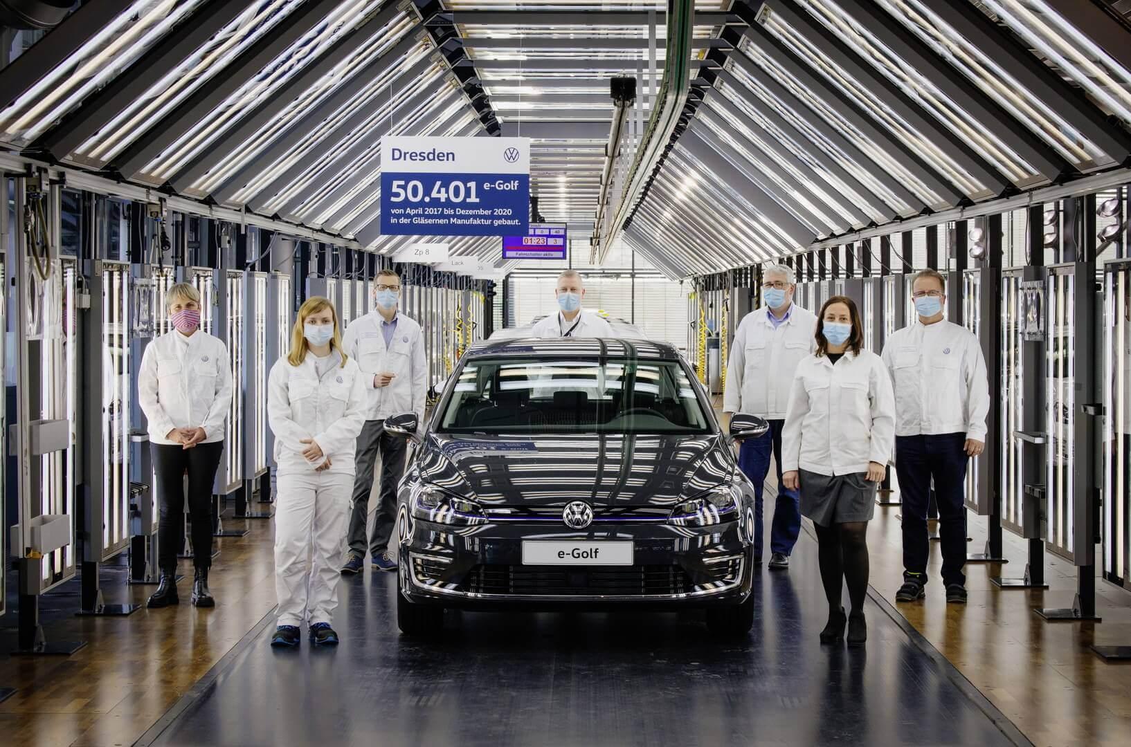На отметке 145 561 выпущенных электромобилей (в Дрездене 50 401) закончилась история Volkswagen e-Golf