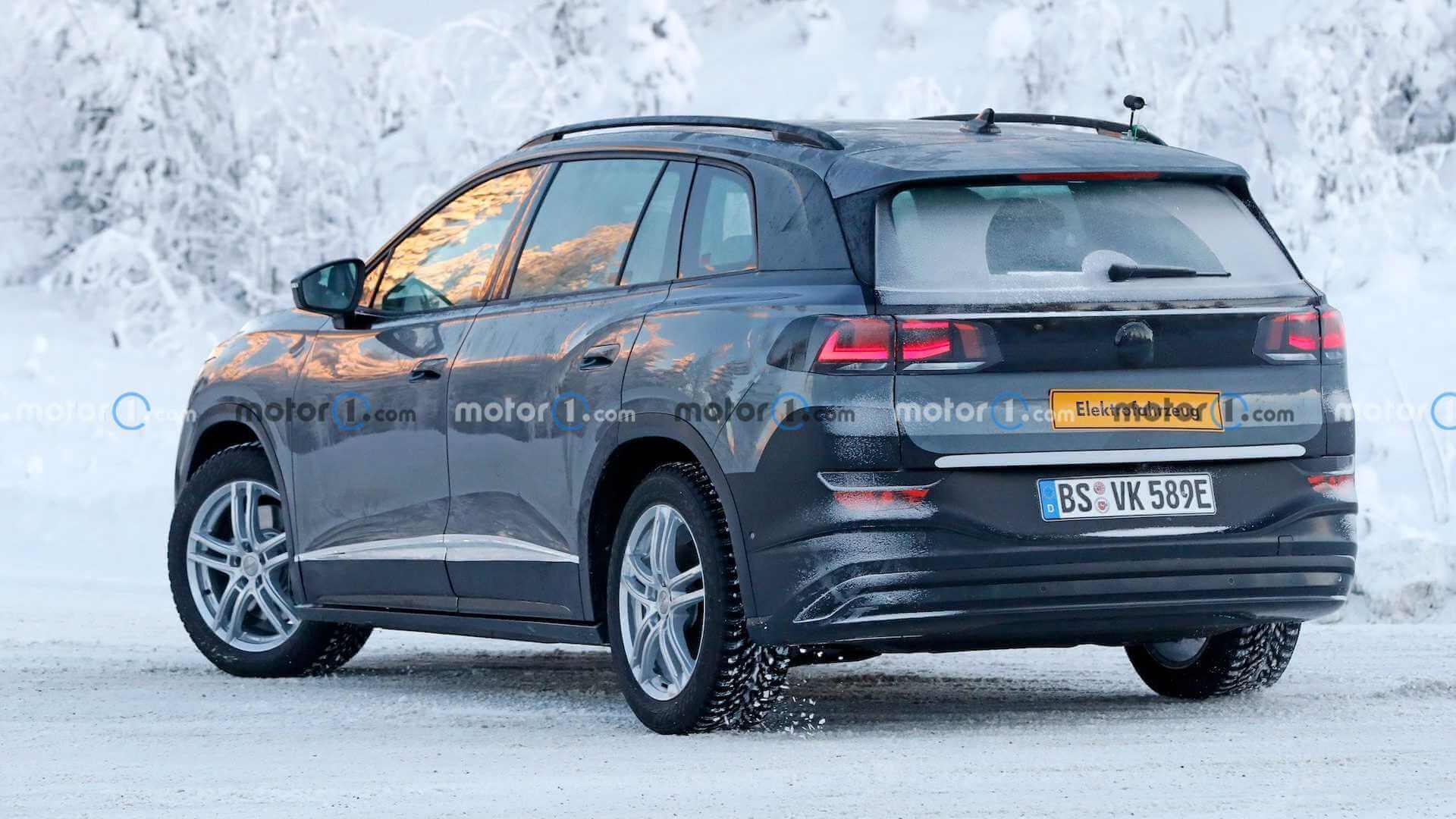 Volkswagen ID.6 замечен на тестах с минимальным камуфляжем