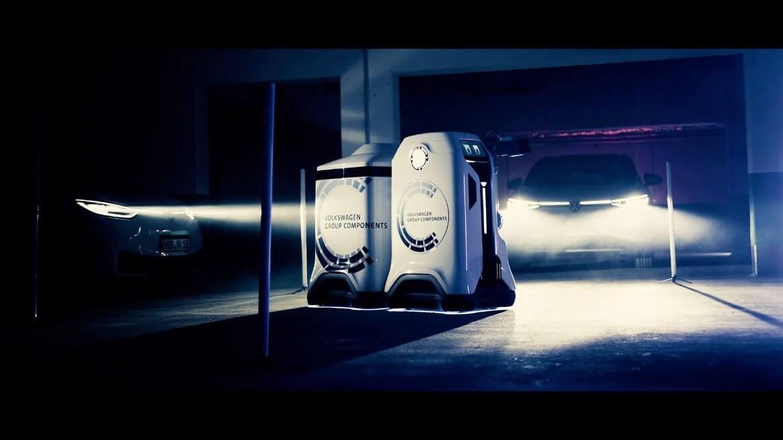 VW показал прототип мобильного робота для зарядки электромобилей