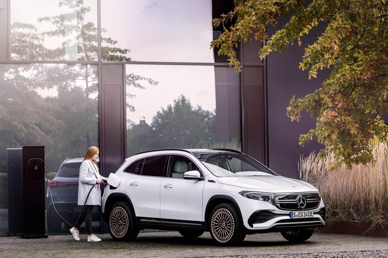 Mercedes-Benz EQA признан самым маленьким идоступным электромобилем бренда