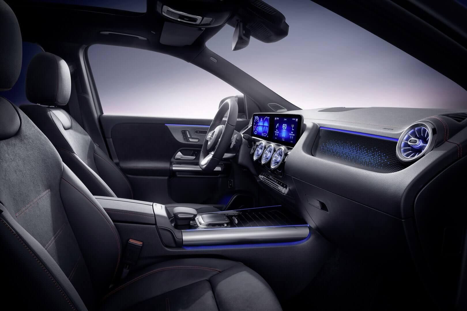 Салон Mercedes-Benz EQA