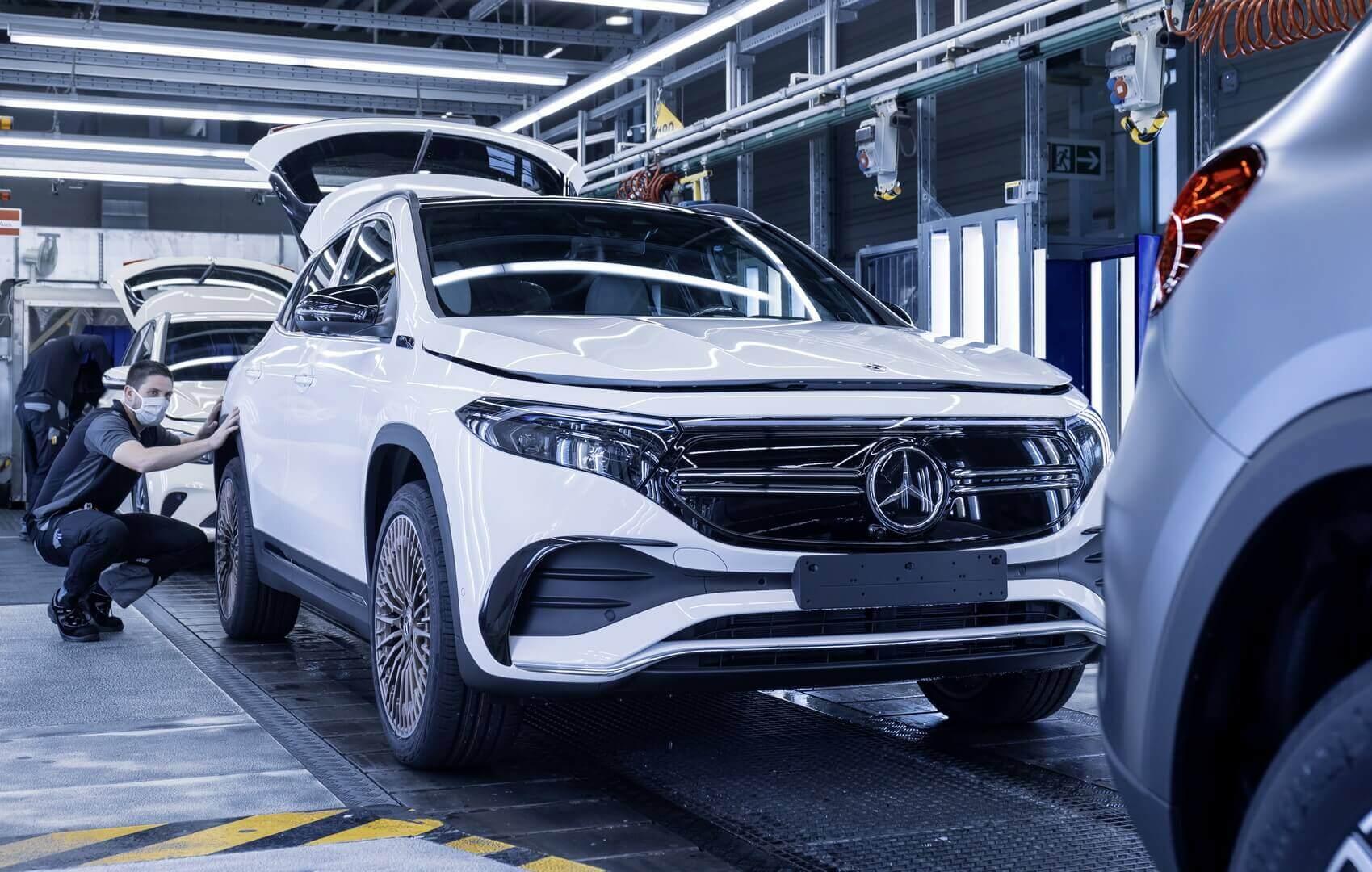 Производство электрокроссовера Mercedes-Benz EQA