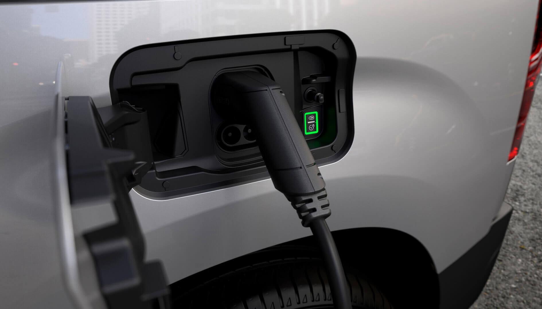 Зарядный порт Peugeot e-Partner