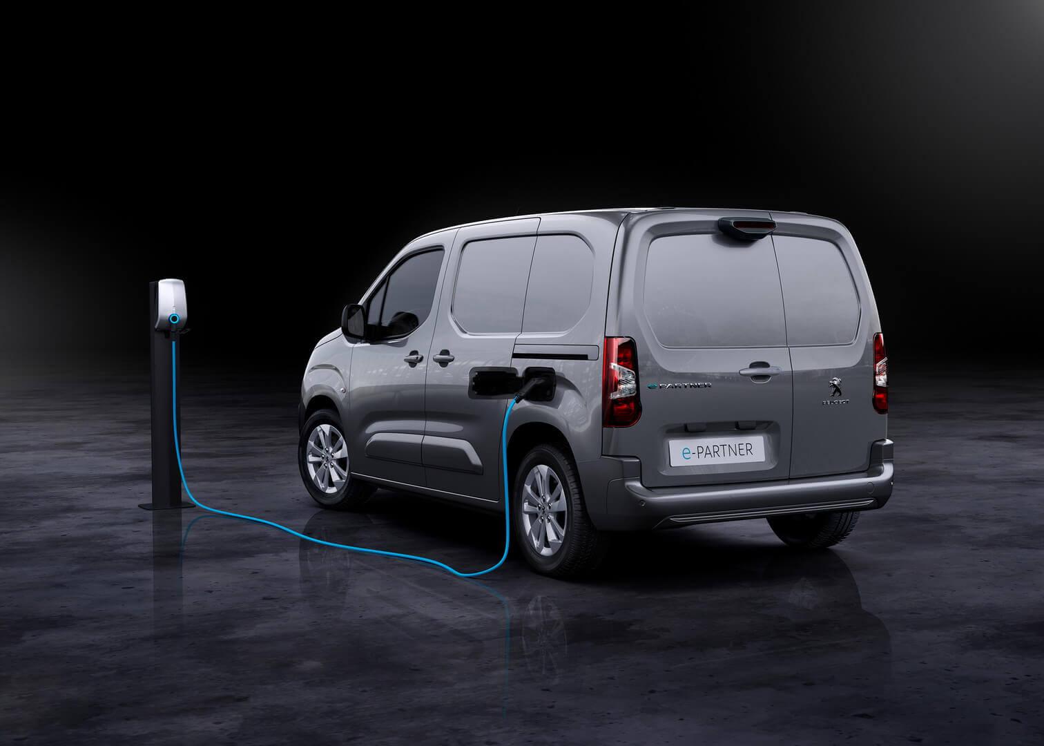 Компактный электрофургон Peugeot e-Partner с запасом хода до 275 км