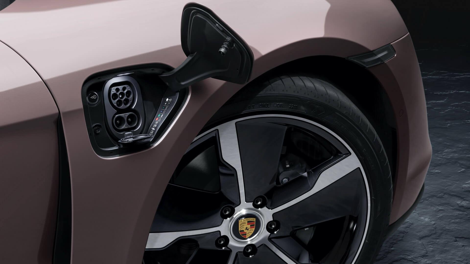 Бортовое зарядное устройство Porsche Taycan