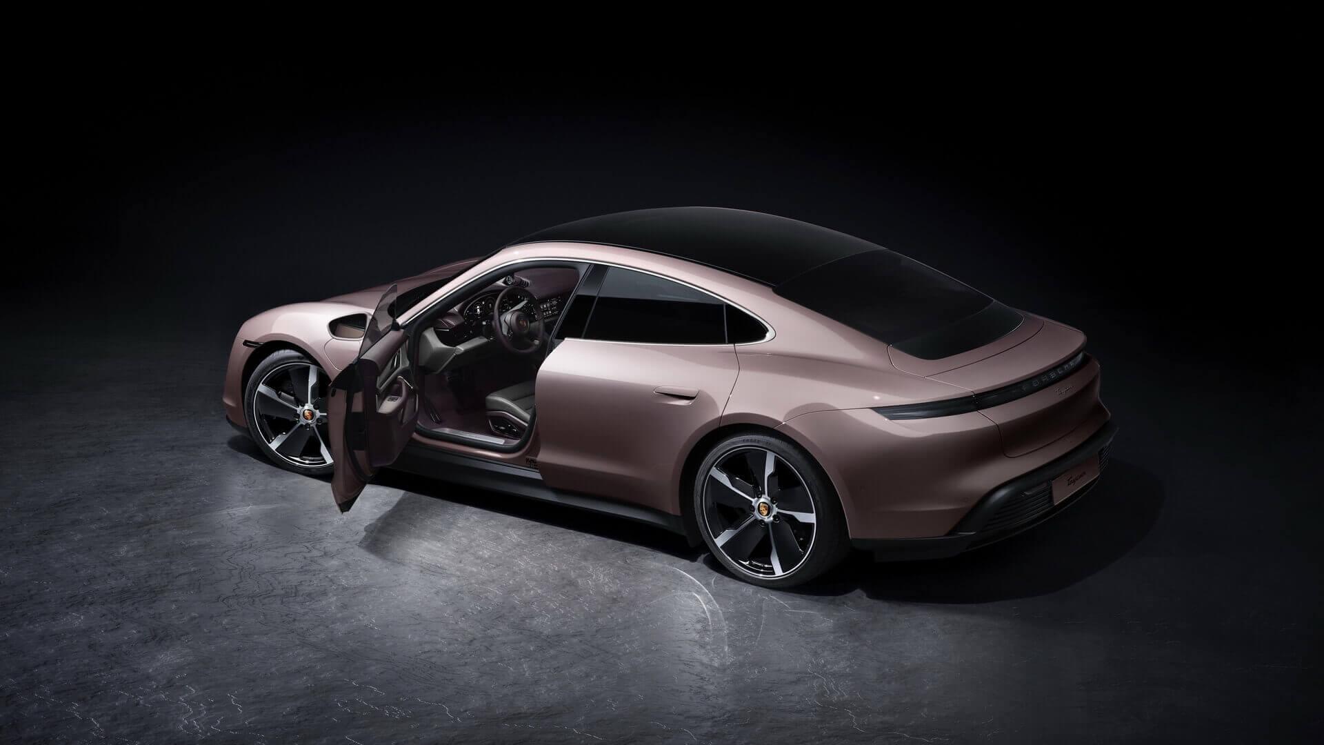Porsche расширяет модельный ряд Taycan