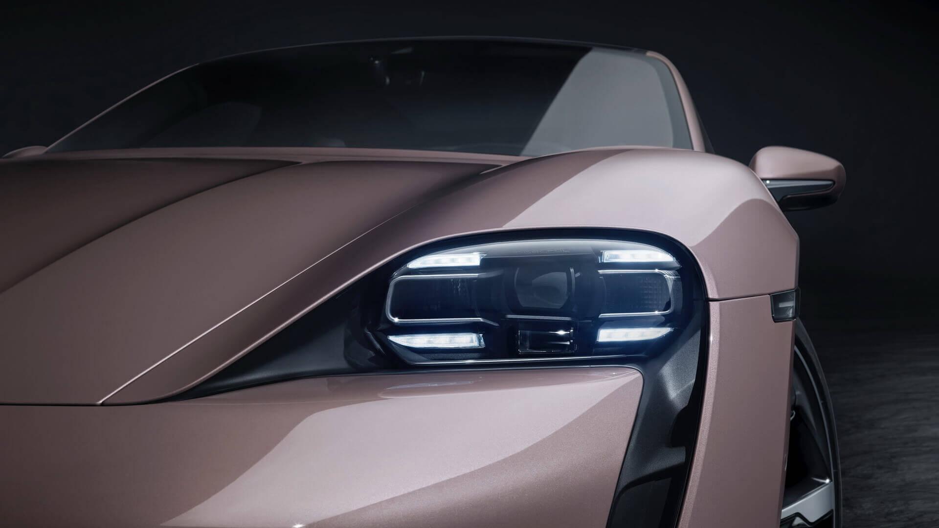 Дизайн экстерьера Taycan с наследственными чертами Porsche