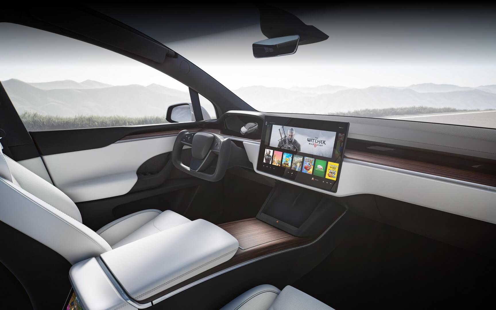 Новый интерьер Tesla Model X 2021 года