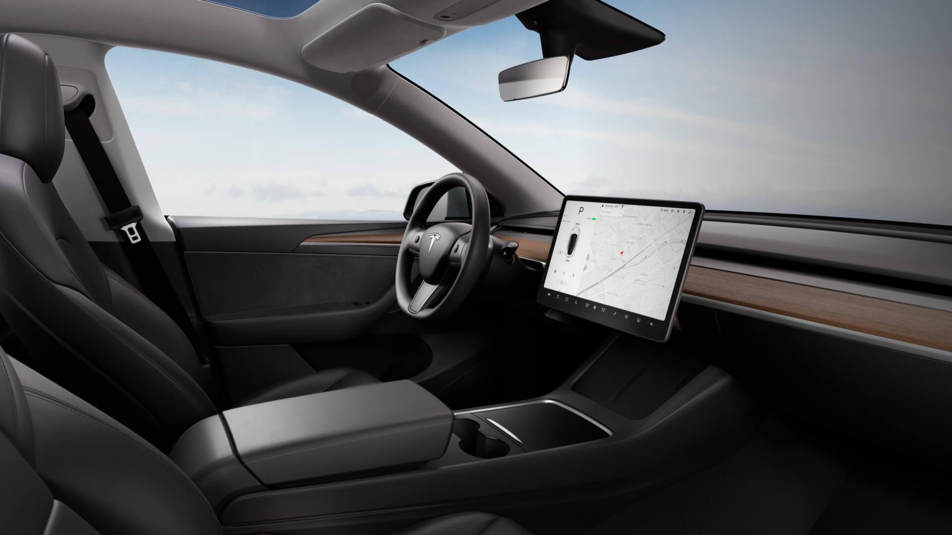 Интерьер китайской Tesla Model Y