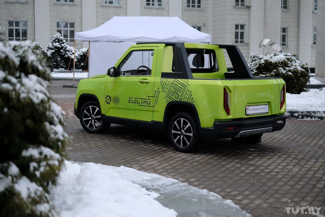 В Беларуси представили сверхкомпактный электропикап Academic Electro