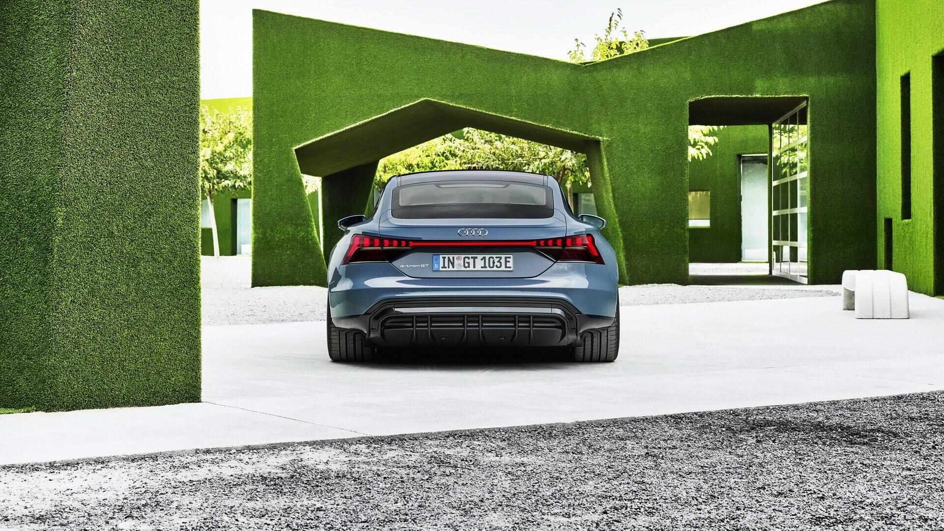 Фотография экоавто Audi e-tron GT - фото 3