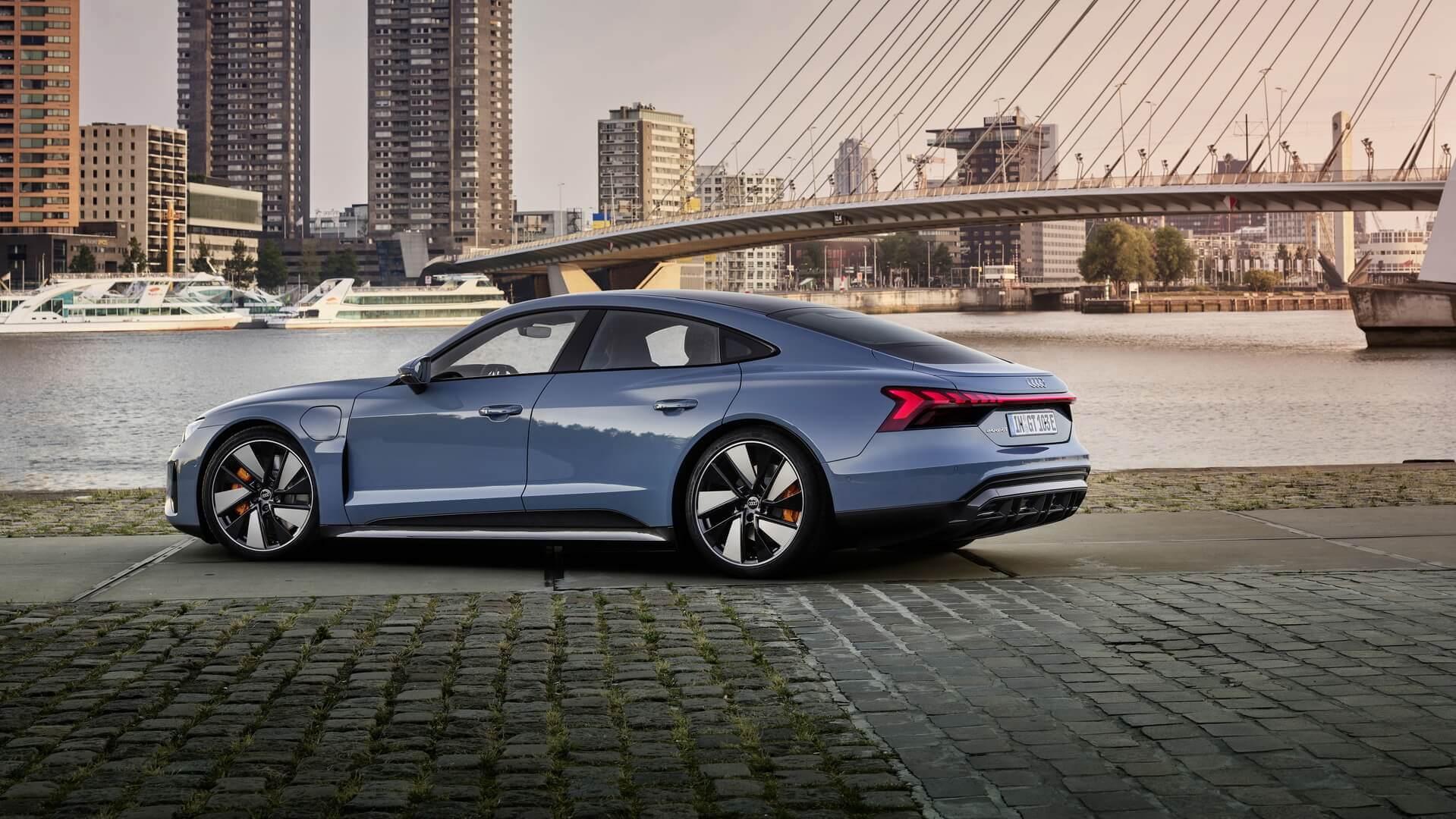 Фотография экоавто Audi e-tron GT - фото 19