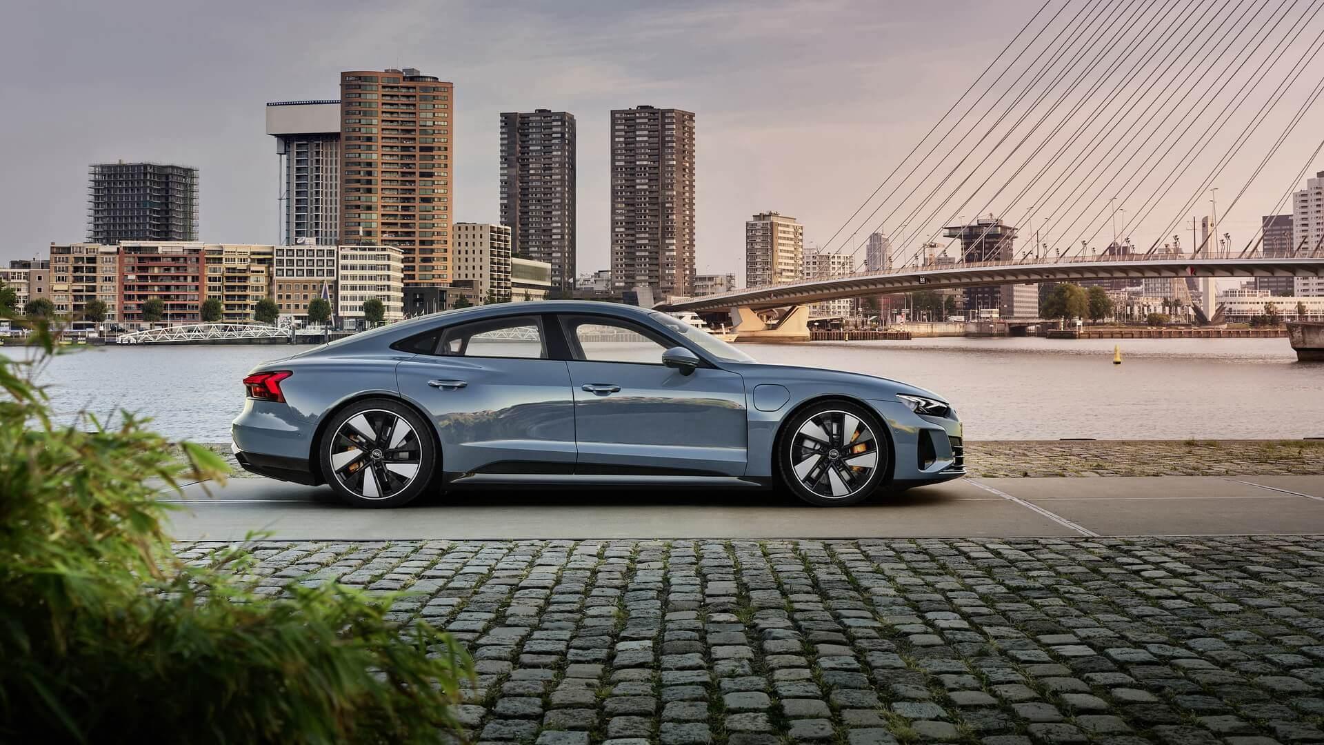 Фотография экоавто Audi e-tron GT - фото 12