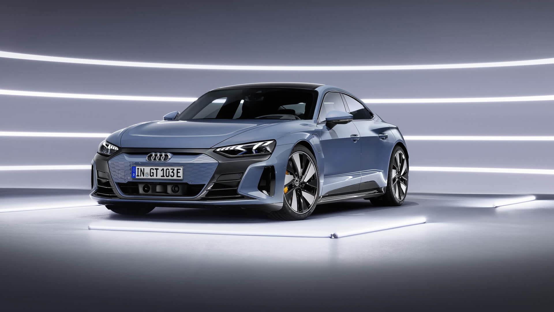 Электрический седан Audi e-tron GT