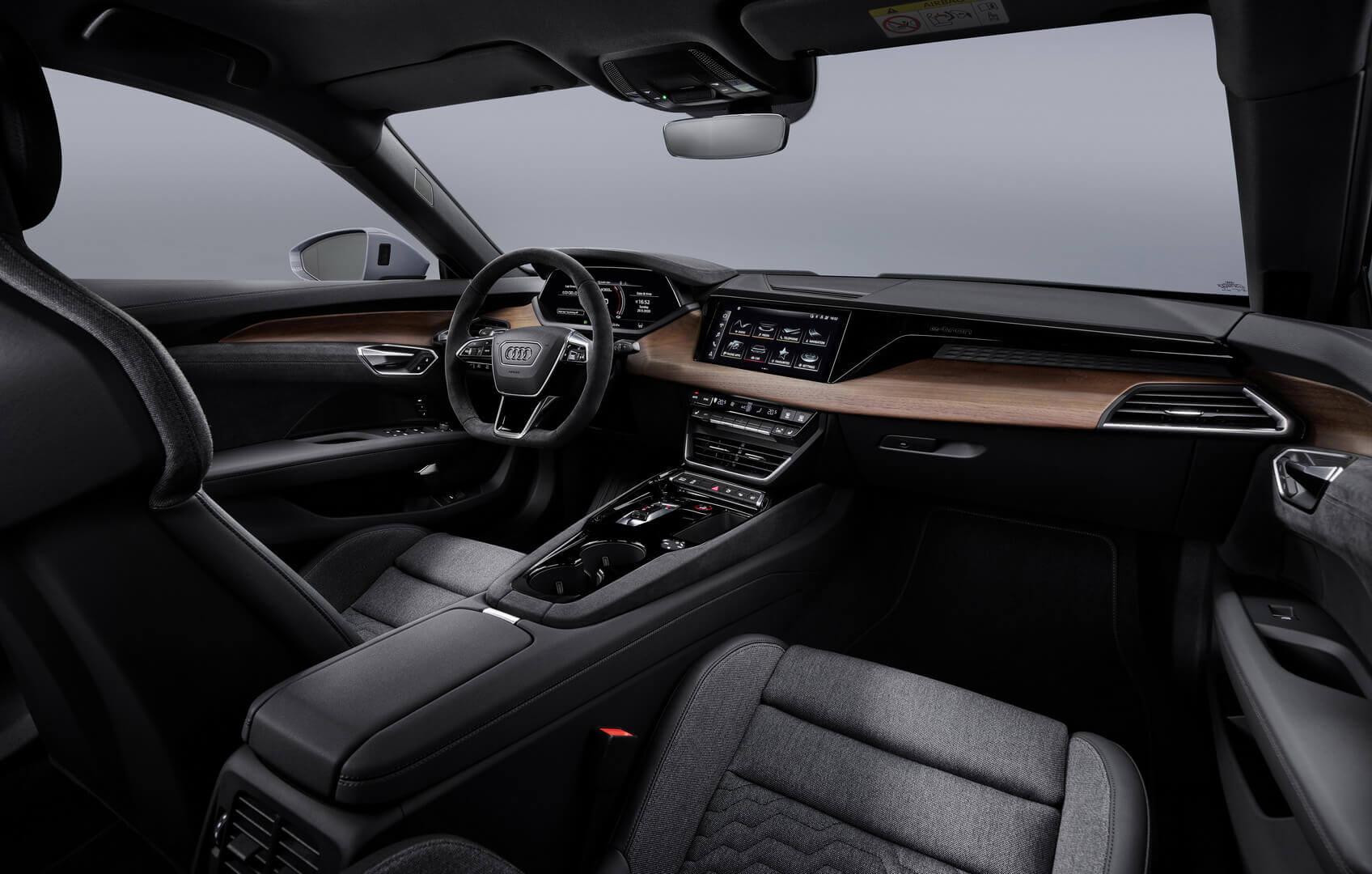 Фотография экоавто Audi e-tron GT - фото 24
