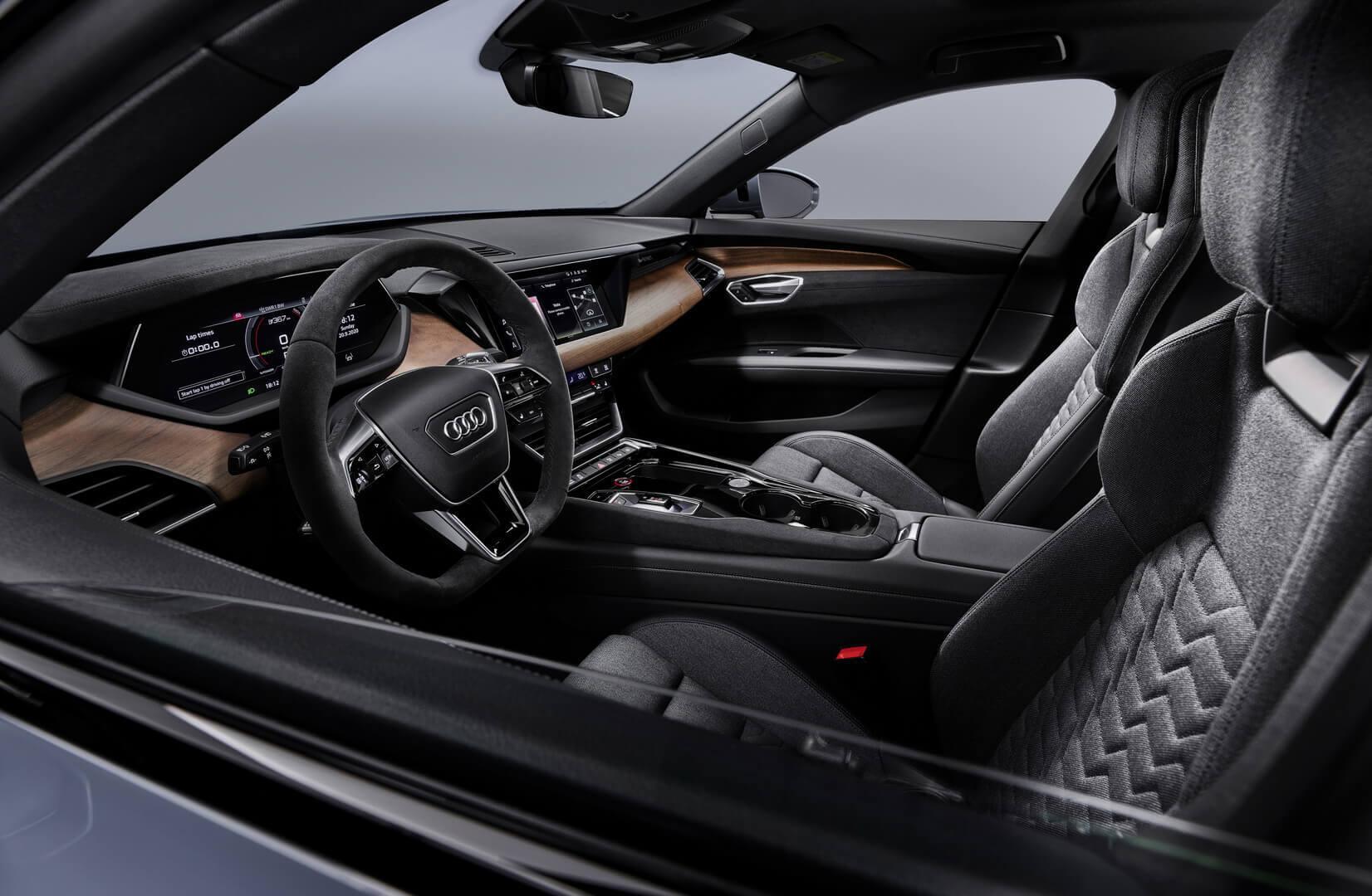 Фотография экоавто Audi e-tron GT - фото 23