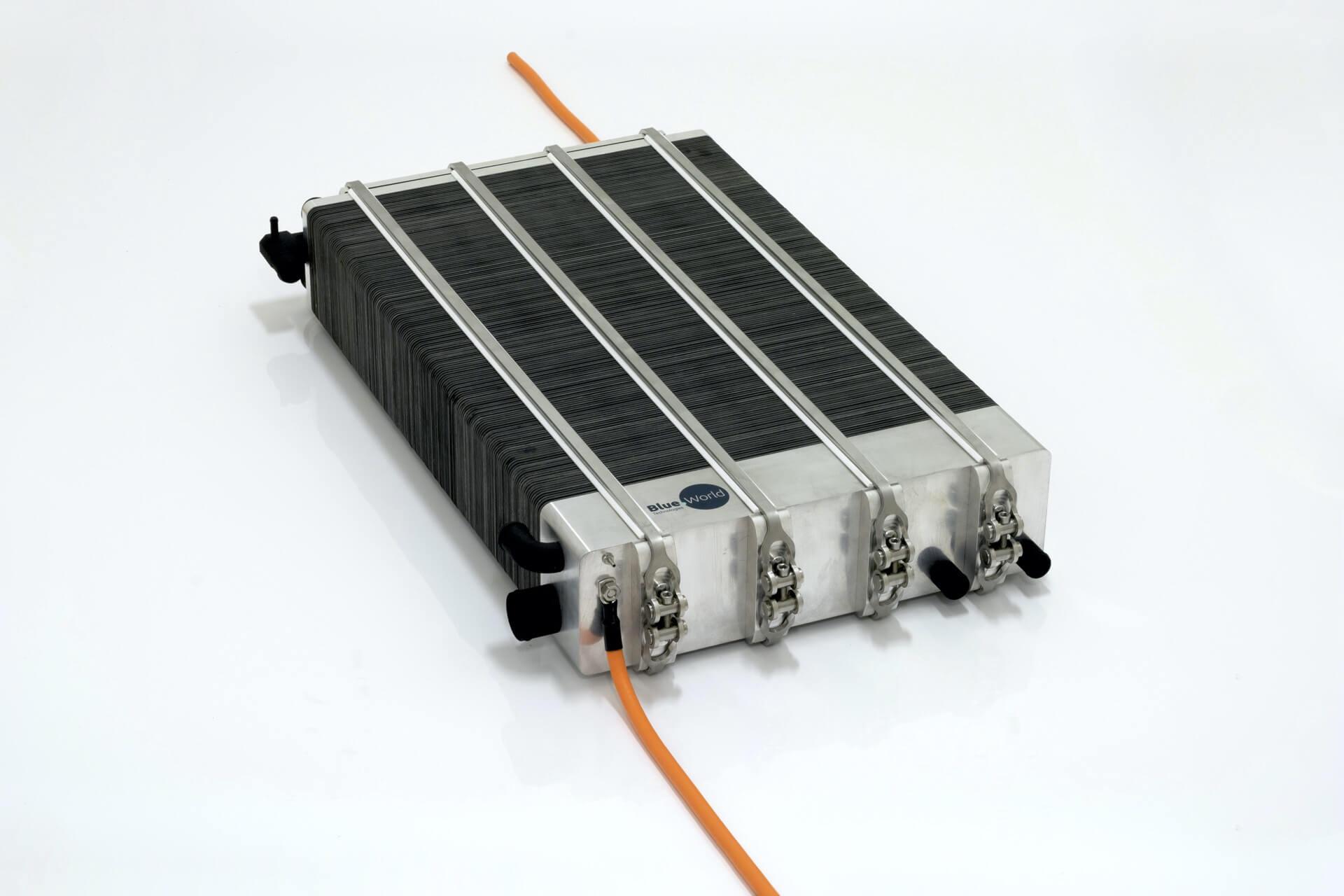 Karma Automotive тестирует систему топливных элементов Blue World Technologies