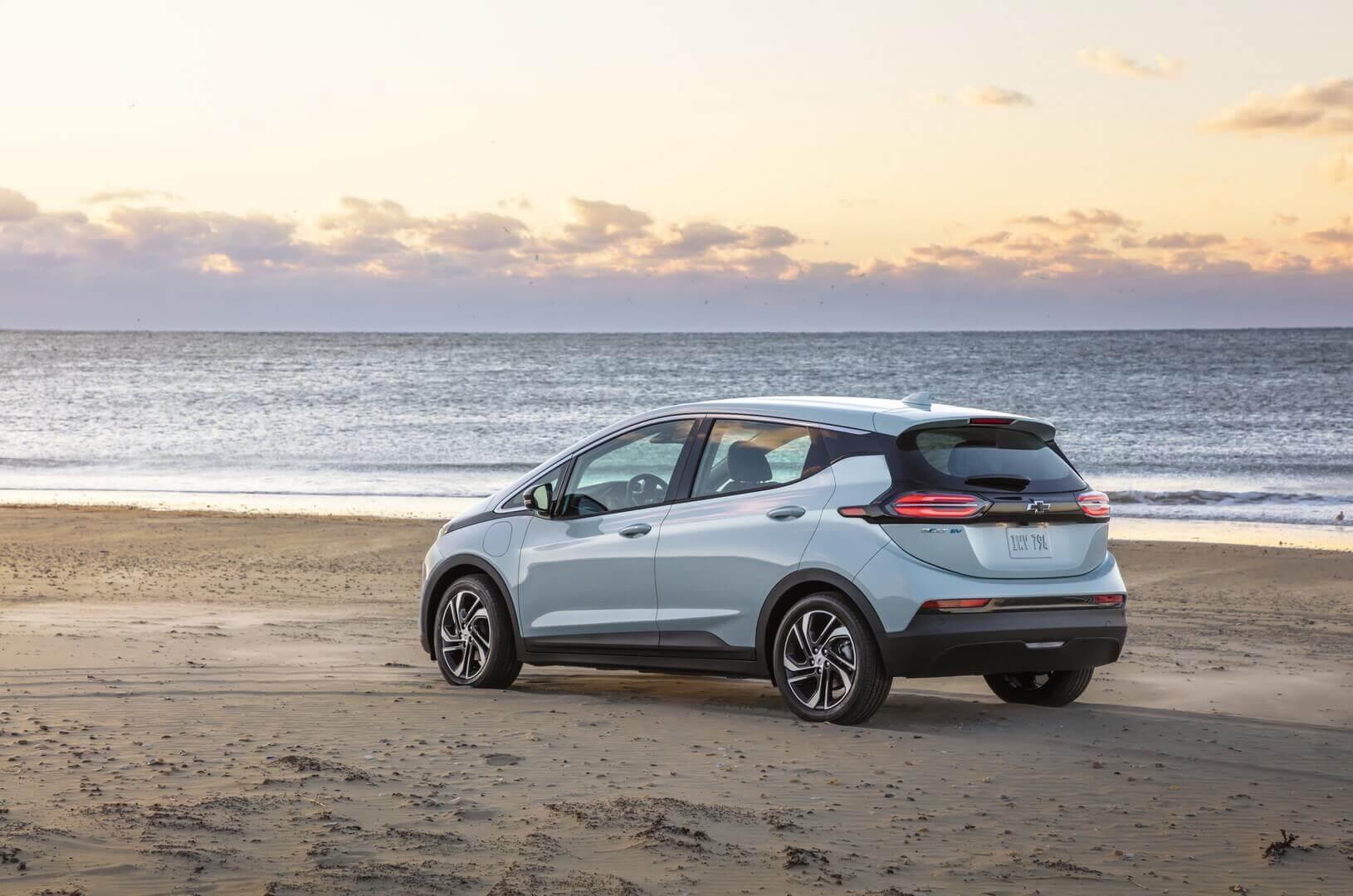 Отзыв более 140000 электромобилей Chevrolet Bolt EV/EUV обойдетсяGM впримерно $1,8 млрд